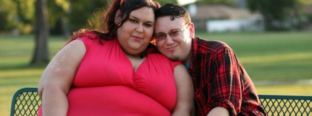 Amore Estremo: Vuole Raggiungere i 450 kg per Amore, il Fidanzato l'aiuta nell'Impresa