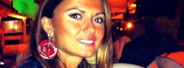Carla Caiazzo mostra il suo viso dopo essere stata sfregiata dall'ex