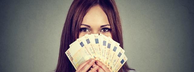 Giovane italiana mette all'asta la sua verginità