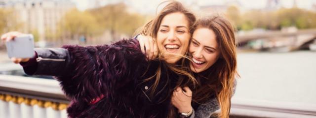 Amicizia e Amore Tra Donne: Come Scoprire la Differenza con 12 Segnali Sbalorditivi