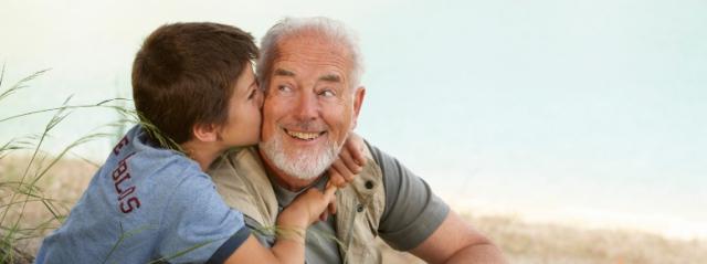 Ruba l'Auto di Mamma e Papà per andare a far Visita ai Nonni