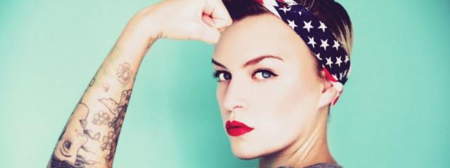 Le 5 ragioni per le quali scegliere una donna alfa
