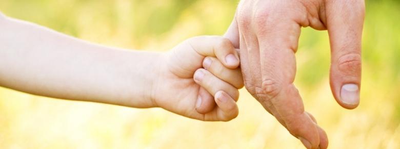 Donna single potrà diventare mamma grazie all'adozione internazionale