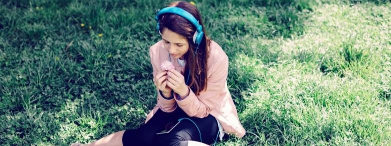 Musicoterapia, Cos'è e Come Aiuta a Vivere Meglio