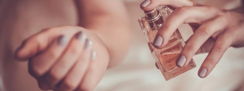 Sedurre un uomo con profumi afrodisiaci