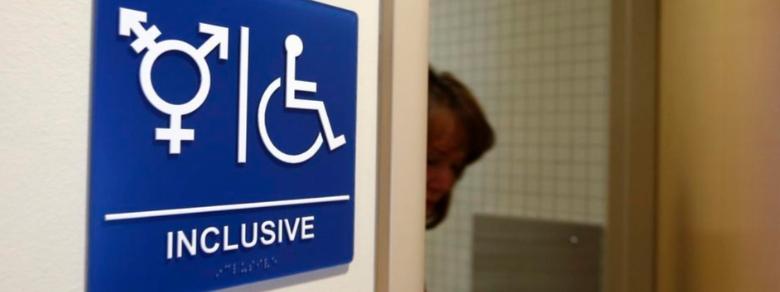 A Reggio Emilia toilette neutre per persone Lgbt
