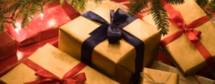 Rubano i regali di Natale: lei ringrazia i ladri