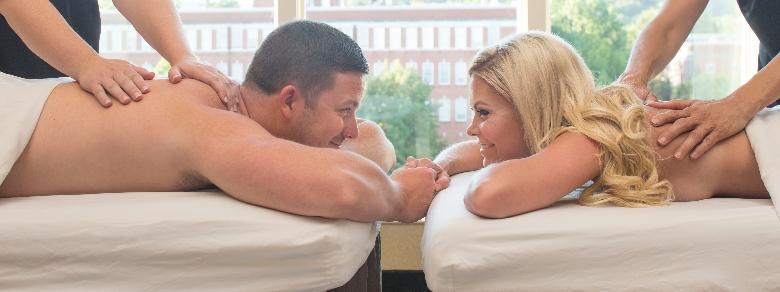 Massaggio di coppia, come sfruttarne i benefici