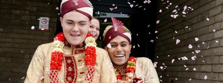 Inghilterra, celebrato il primo matrimonio gay mulsulmano
