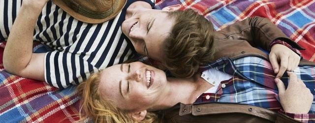 Una risata aiuta la coppia: l'umorismo nella vita a due